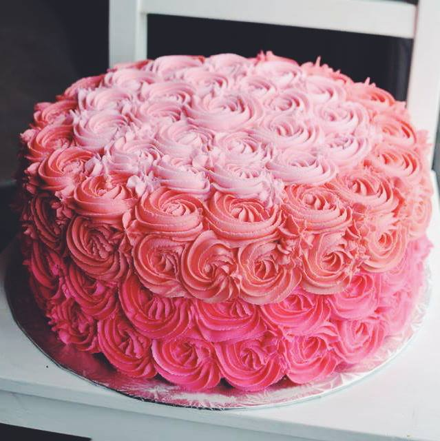 Cake Ideas With Red Roses : April 2015   Crumbs and Tea
